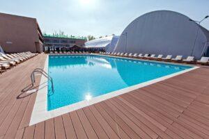 Premium Wellness Institute - piscina exterioara (1)